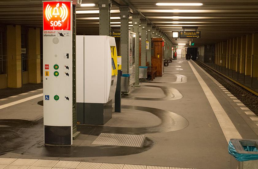 Metro-floor-cleaner